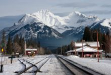 Alberta to consider Calgary-Banff rail model